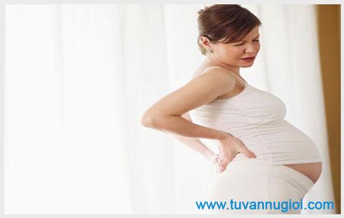Mang thai 3 tháng cuối ra nhiều khí hư có sao không